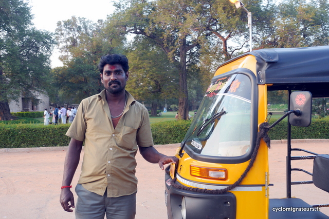 Conducteur de tuktuk