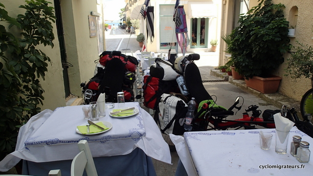 Les vélos aussi ont leur place à table