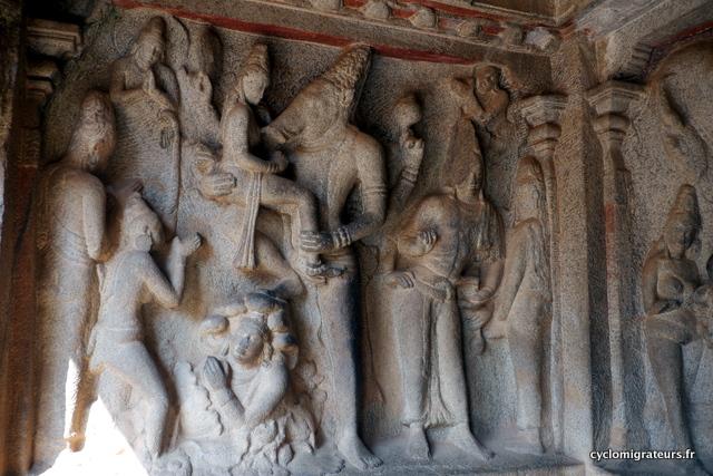 Vishnu sous son avatar de sanglier sauvant la déesse terre des océans