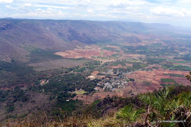 Vue sur la vallée de Kambam