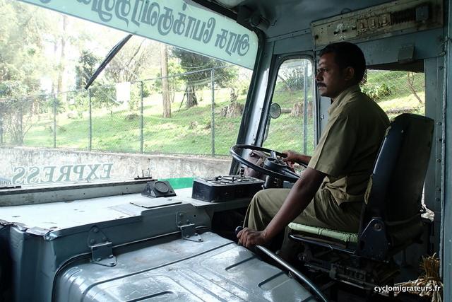 Conducteur de bus