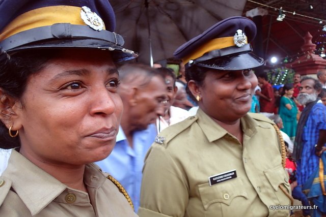 policières